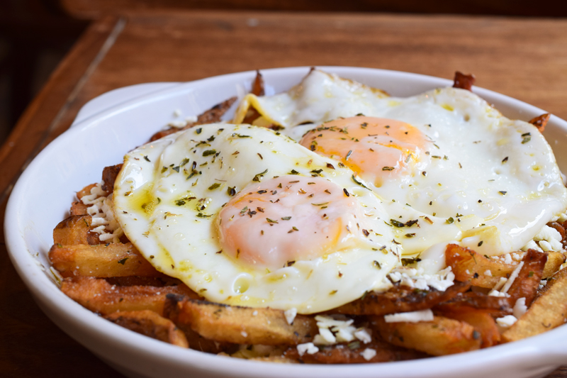 greek-fried-eggs-2